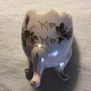 Vintage Accents - VTG • Egg Vase •